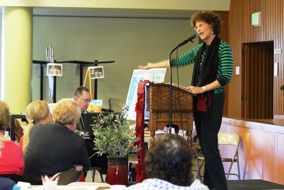Diane Dulin, Kairos USA Director of Church Participation, addresses the workshop audience.